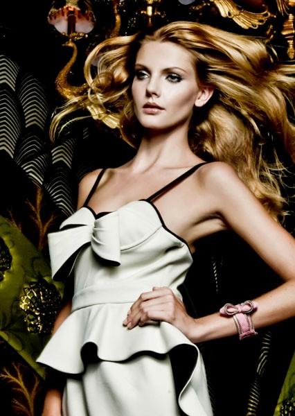 http://mishamakeup.com.au/files/gimgs/th-7_fashion10.jpg